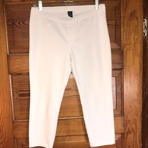 HUE cropped ankle pants medium cream